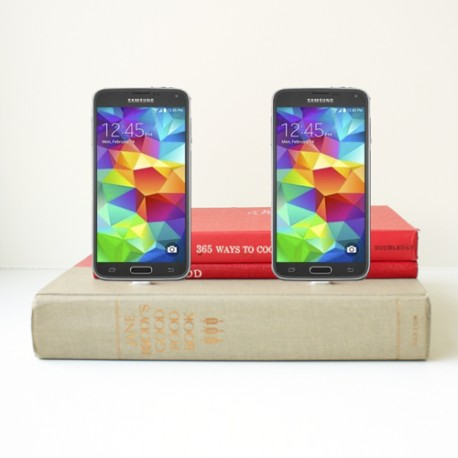 Double Android Book Charger