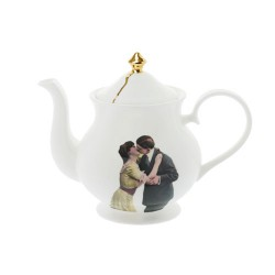 KIssing Couple Teapot